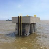 Construção de dolfin - Obras Portuárias Belov