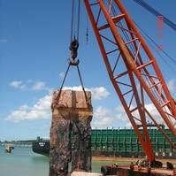 Demolição de um cais em parede diafragma - Obras Portuárias Belov
