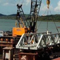 Montagem de ponte ferroviária - Obras Portuárias Belov