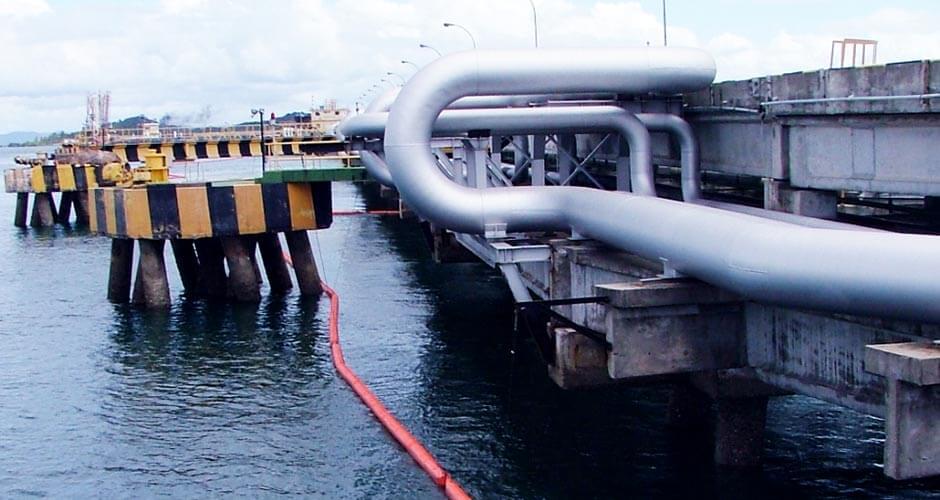 Instalação de Barreiras Flutuantes de Óleo